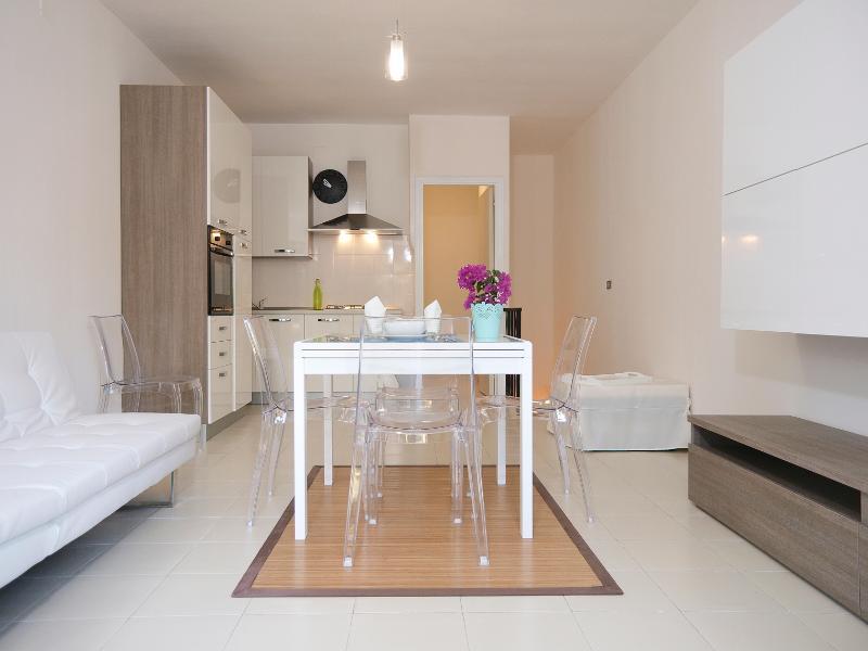 Pietra Blu Apartment - SEPTEMBER HOT DEAL - 550 €/ WEEK ALL INCLUSIIVE  - 1500€ / MONTH - Calasetta - rentals