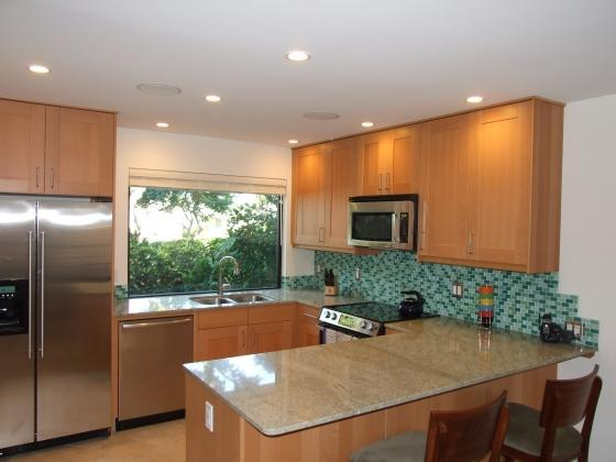 Kitchen - Ekahi 36a  1Br 2Ba condo sleeps 4, Fully Renovated - Wailea - rentals