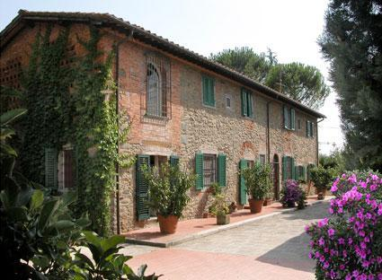 facade of the main house - Stone Farmhouse midway Florence and Lucca - Lucca - rentals