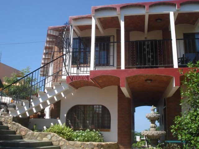 view of East side of house - Casa Dos Vistas - La Peñita de Jaltemba - rentals