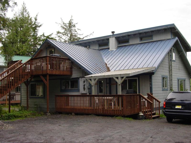 "3 Bedroom (Downstairs) 1 Bedroom (Upstairs) - Be ""Almost Home"" in your own outfitted apartment! - Ketchikan - rentals"