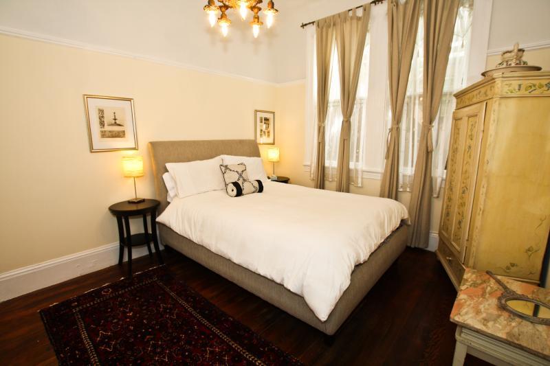 Bedroom 1 - Alamo Square Classic - San Francisco - rentals