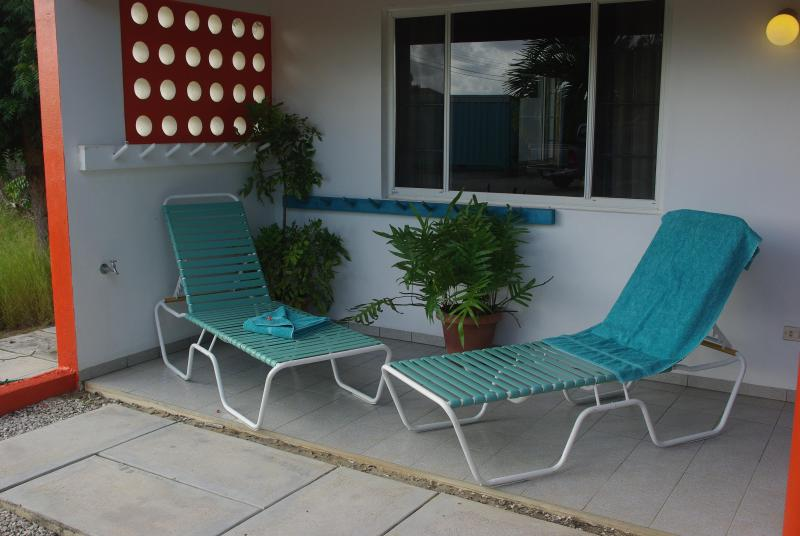garden view terrace with chairs lounge - Rental Apartments Bonaire NONseaside + oceanfront - Kralendijk - rentals