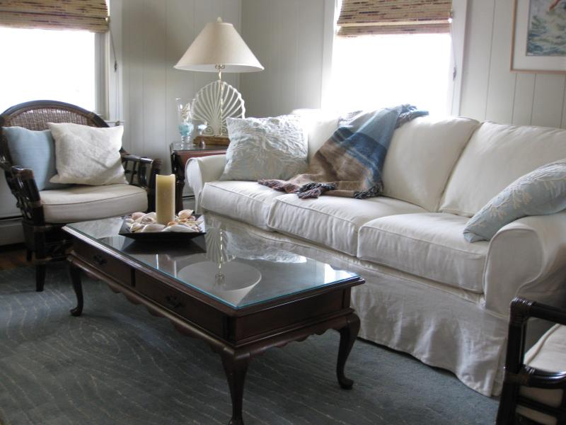 Living Room - Charming Ocean City Beach Cottage - Ocean City - rentals