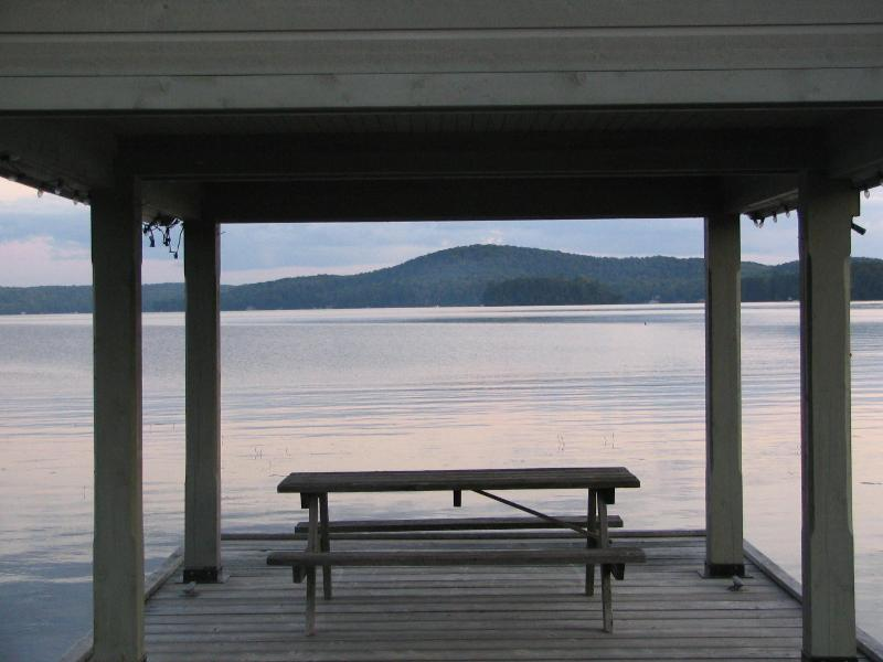 Large private dock area - AMAZING 4 bedroom executive home on 4 PRIVATE acre - Muskoka - rentals