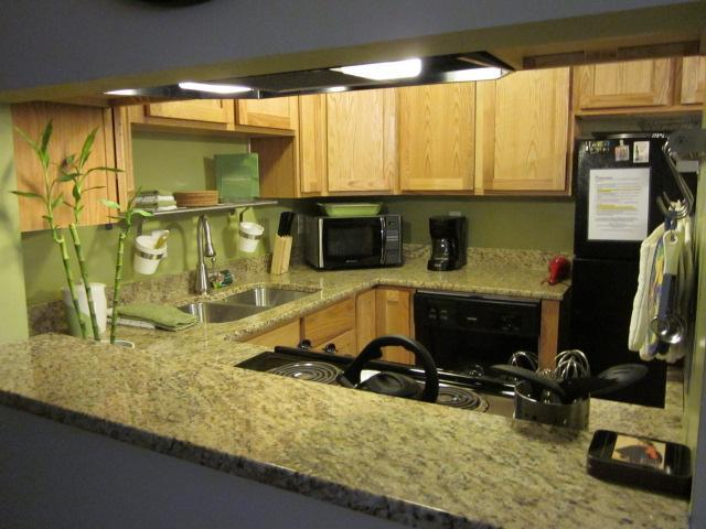 Updated kitchen with granite counters and new appliacnes - Fun & Trendy 2 Bed/1Ba w/ WIFI 2 mi to Salt Palace - Salt Lake City - rentals