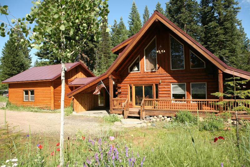 Summer time - The Real McCall Log Cabin with secluded Hot Tub - McCall - rentals