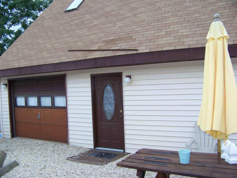 Outdoor Eating Area with gas grill - 3 Bedroom Beach House/Dewey /Walk to Everything - Dewey Beach - rentals