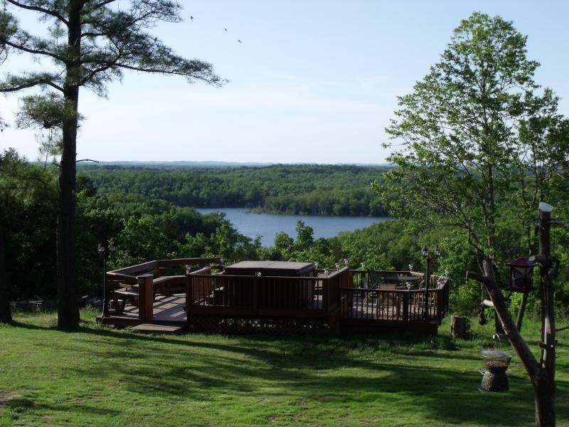 6 Cabins 3 Units with lake views.  2 units with 2 bedrooms. - OZARKS Cabin on Bull Shoals Lake - Oakland - rentals