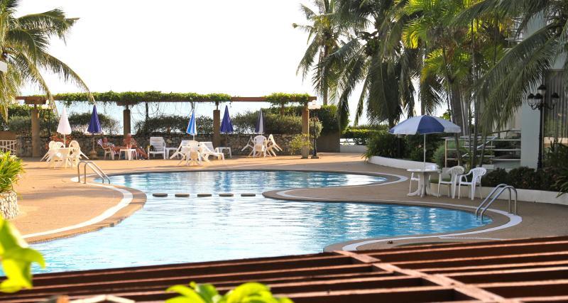 Swimming pool - Samet View Beach House at Crystal Beach Rayong - Rayong - rentals