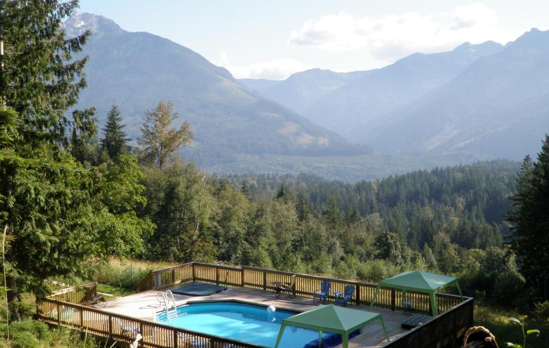 What a view! 19 private acres with a pool, hot tub, & incredible scenery! - MountainViewRetreat swimming pool hot tub 19 acres - Chilliwack - rentals