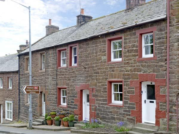 EDEN COTTAGE, pet friendly, luxury holiday cottage, with a garden in Appleby-In-Westmorland, Ref 7224 - Image 1 - Cumbria - rentals