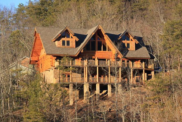 Luxury Mountain Home - Southern Cross, Beautiful Luxury Log Home - Gatlinburg - rentals
