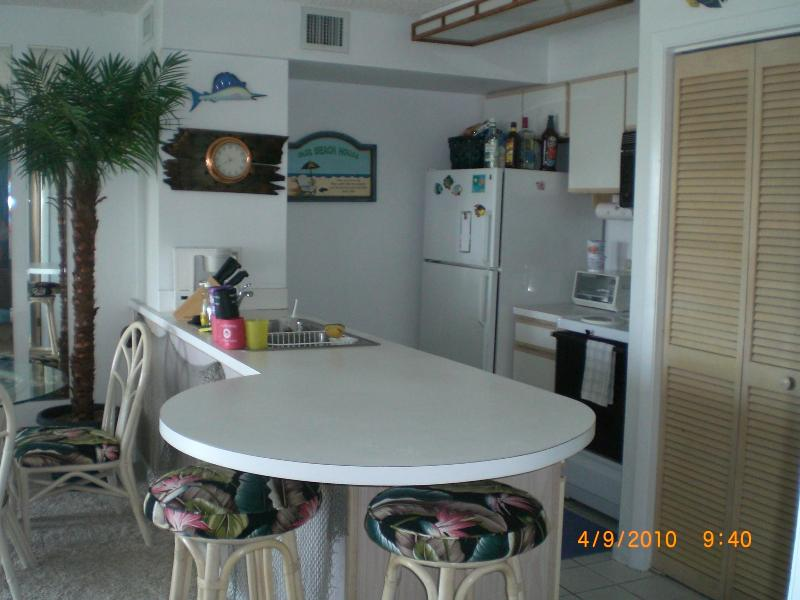 kitchen eat in counter - Ocean Pointe Suites of Key Largo - Tavernier - rentals