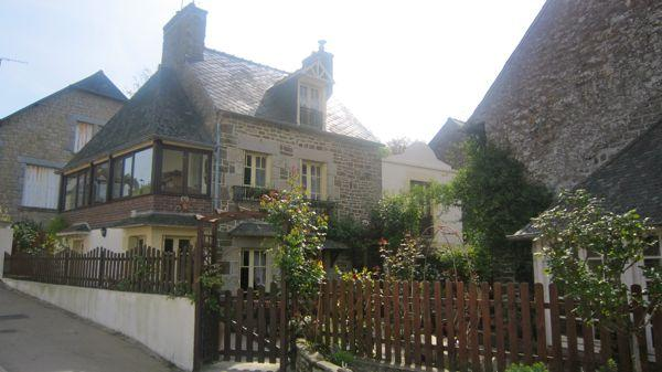 Traditional 2 bedroom cottage near Dinan (B018) - Image 1 - La Vicomte-sur-Rance - rentals