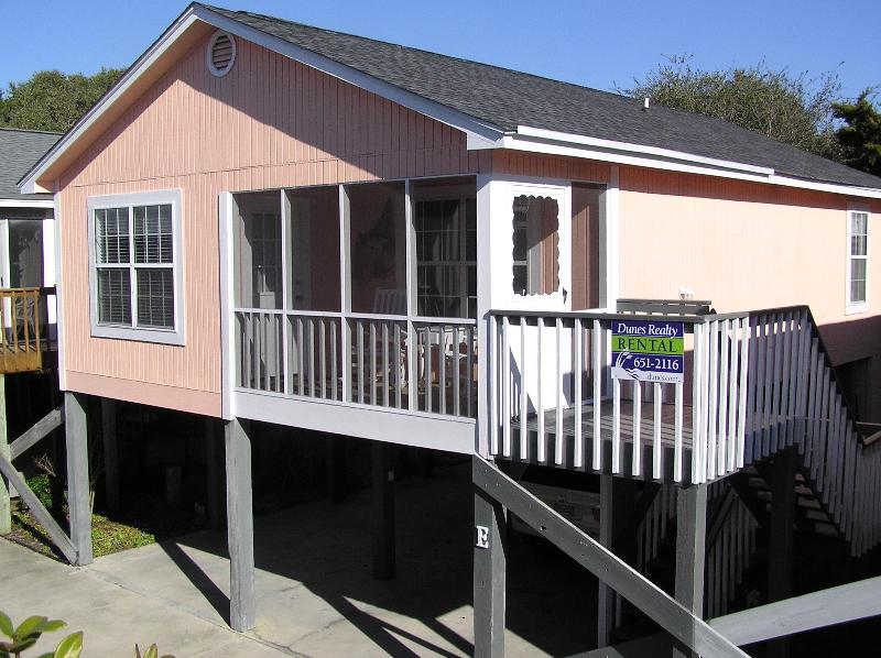 Front of House (Faces South) - Steps from Beach w/ Pool * Request Your Quote Now - Garden City Beach - rentals