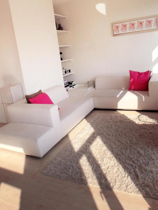 Light and airy livingroom - Stylish, central unit w/ river views. All comfort. - Amsterdam - rentals