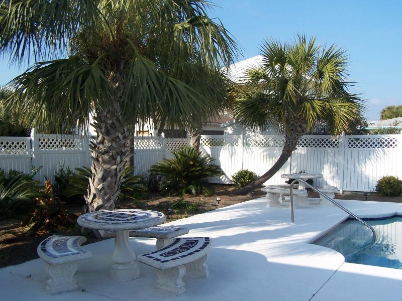 tropical Oasis and saltwater pool - Private, Serene, Pretty  Salt Water Pool, sleeps 8 - Panama City Beach - rentals