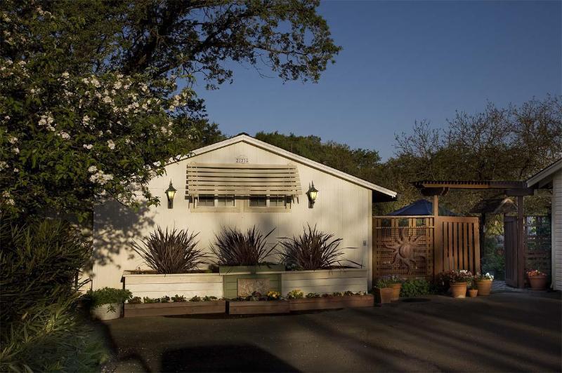 Casita Carneros - CASITA CARNEROS  Pet friendly wine country cottage - Sonoma - rentals