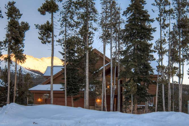 Amazing Views:  Shuttle:great for family & friends - Image 1 - Breckenridge - rentals