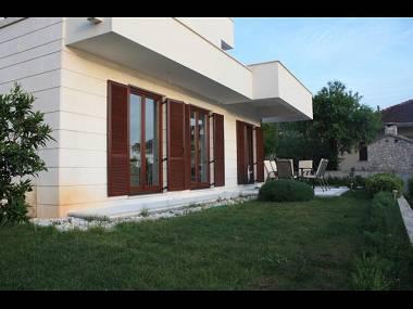 A1(2+2): terrace - 3778  A1(2+2) - Okrug Gornji - Okrug Gornji - rentals