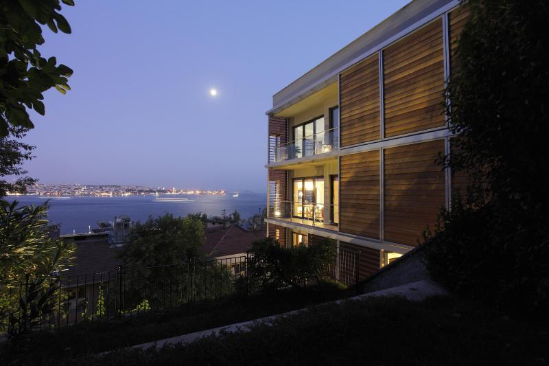 Deris Bosphorus Lodge - Bosphorus View Apartment - Image 1 - Istanbul - rentals
