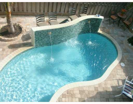 4 BDRM-4.5 BATH-LUXURY TWNHSE-CLOSE TO BEACH-POOL - Image 1 - Lauderdale by the Sea - rentals