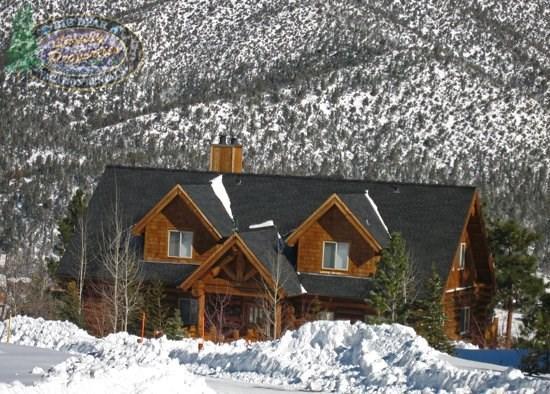 Majestic Lodge - Front of the cabin WINTER - Majestic Lodge - 5 Bedroom Vacation Rental in Big Bear Lake - Big Bear Lake - rentals