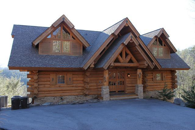 Luxury home, handicap accessible - Bear Hollow Lodge, Beautiful Luxury Log Home - Gatlinburg - rentals