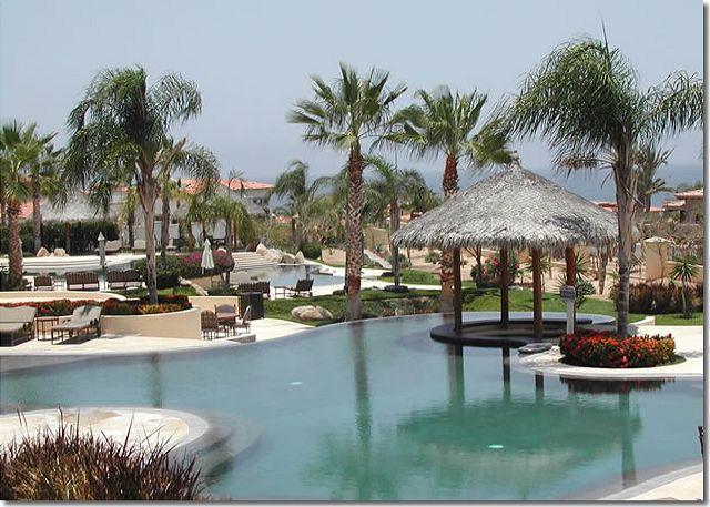 Pool with Swim up Bar - Mi Casa del Sol is a beachfront - ocean view vacation condo in Cabo San Lucas - Cabo San Lucas - rentals