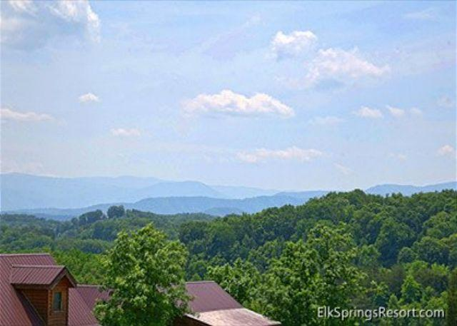 5 Bedroom Luxury Cabin Close to the Outlets and Attractions! - Image 1 - Pigeon Forge - rentals
