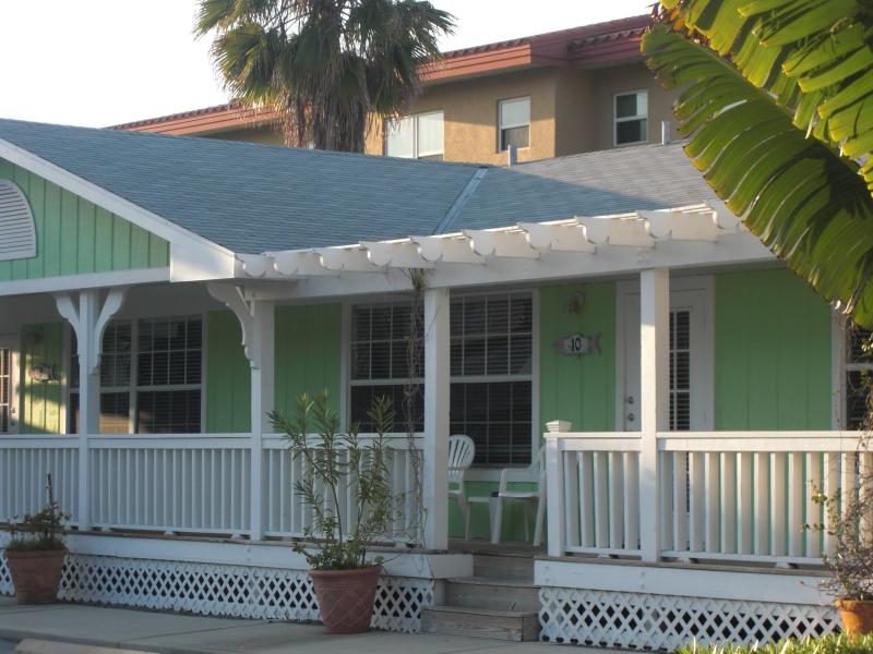 Tradewinds Resort - Cottage Rental-Daily or Weekly - 4th night Free! - Bradenton Beach - rentals