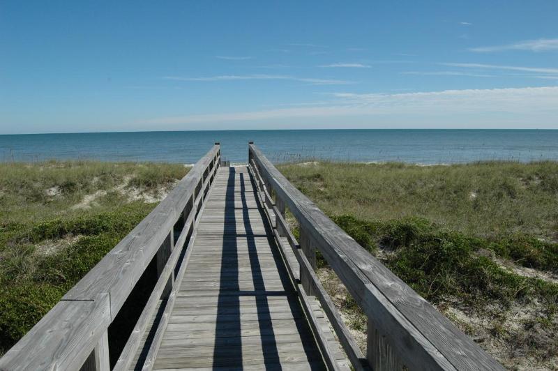 Board walk to beach - Beach Access #24 on A1A - 1 Block from the ocean, Available April 1st - Fernandina Beach - rentals
