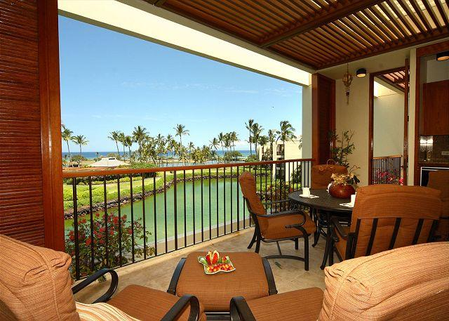 Covered lanai for relaxing - TOP FLOOR LUXURY PENTHOUSE, OCEAN VIEWS LAVA FLOW SPECIAL AUG-OCT 7TH NT COMP - Kamuela - rentals