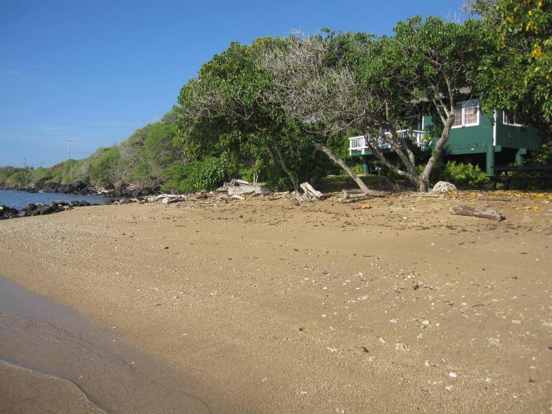 Pauwalu Beach - Dunbar Beachfront Cottages-Pauwalu Cottage - Kaunakakai - rentals