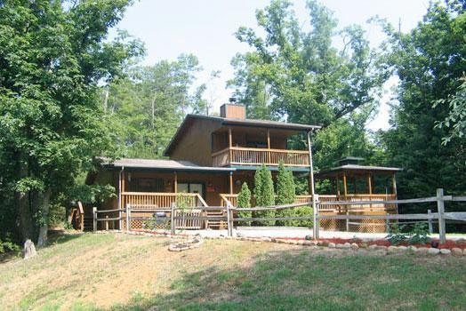 Tail Feathers - Luxury 2 Bed, 2 Bath Cabin Just Min from DoLlywood - Pigeon Forge - rentals