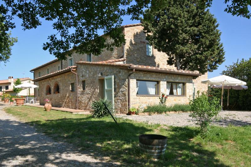 Tuscany Accommodation Within Walking Distance of Town - Casa Poggio - Image 1 - San Donato in Poggio - rentals