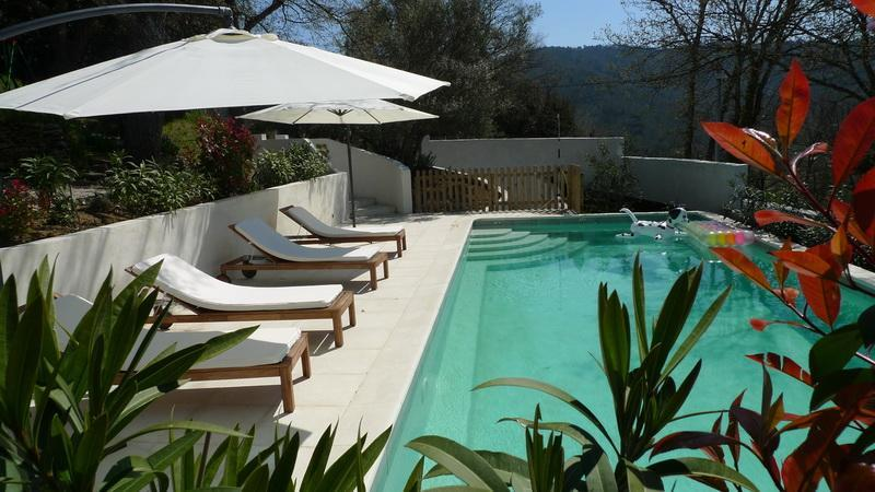 Swimmingpool from adjacent - Les Chenes Sessiles, Luxury  Bedroom Apartment with a Pool and Balcony - Collobrieres - rentals