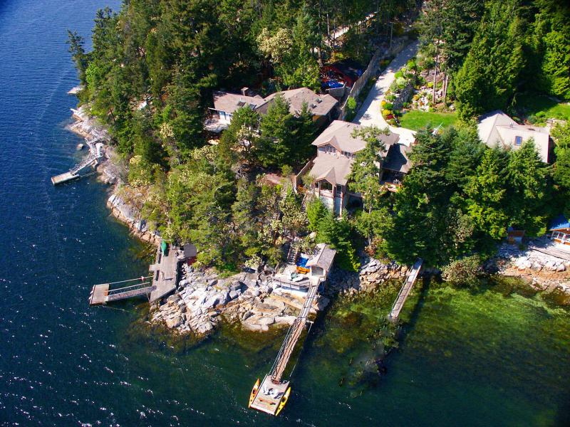 "a bird's eye view of Coracle Cove - ""A perfect west coast getaway"" - Trip Advisor - Sechelt - rentals"