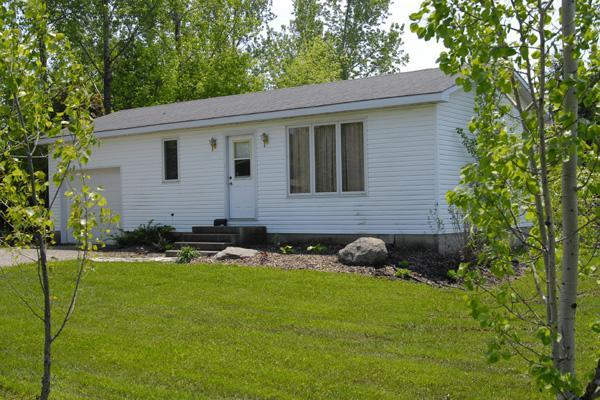 Bayfield, Ontario area. 2 bedroom cottage - Image 1 - Zurich - rentals