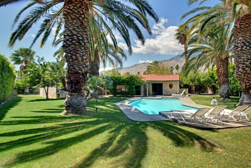 Enormous park like backyard with large sparking pool. - Majestic Palms - You're Own Private Oasis! - Palm Springs - rentals