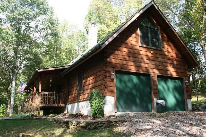 pull up to peaceful serenity - Timber Creek Lodge - Logan - rentals