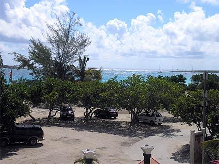 RESIDENCE de la PLAGE #37...short walk to beautiful Orient beach - RESIDENCE de la PLAGE #37...offers a great deal on Orient Beach! - Saint Martin-Sint Maarten - rentals