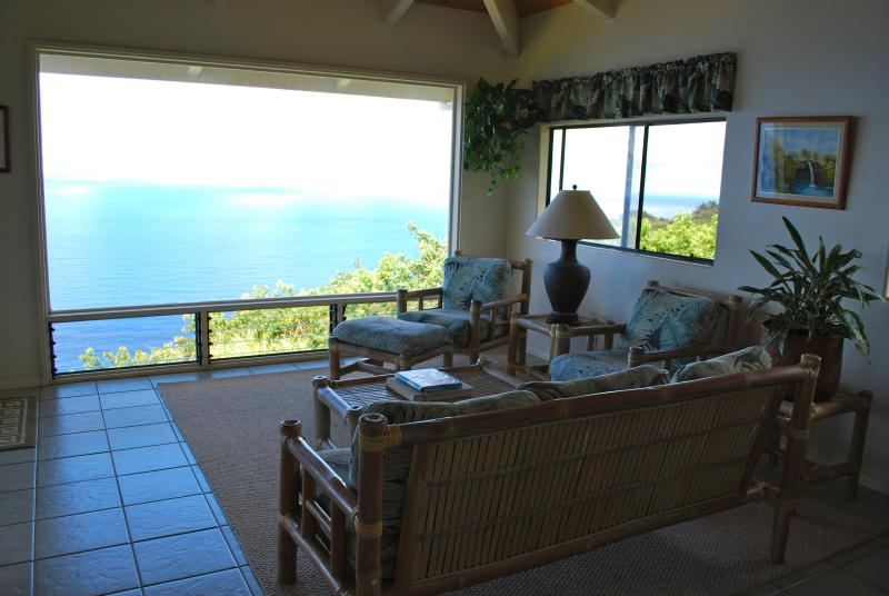 Living room with glass window and oceanviews - Breathtaking, Spectacular, Ocean Front..Cliffhouse - Kukuihaele - rentals