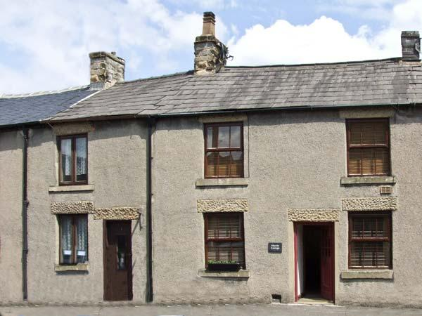 MYRTLE COTTAGE, country holiday cottage in Tideswell, Ref 6032 - Image 1 - Tideswell - rentals