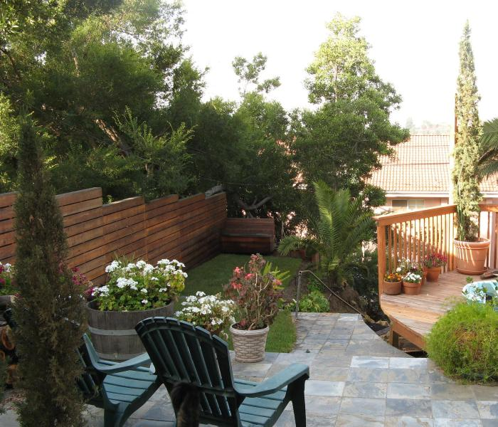 View out front door - Hip 1BR hillside retreat near H'wd, kid friendly! - Los Angeles - rentals