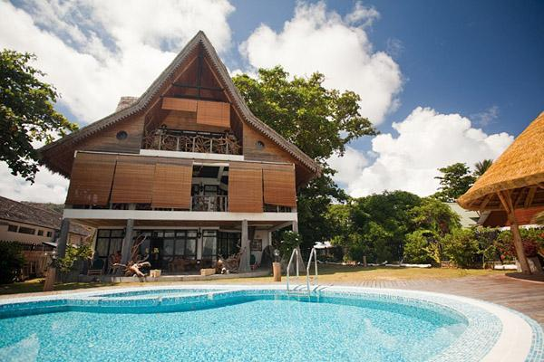 Emerald villa showing gazebo and pool - Luxury beachfront villa on La Digue, Seychelles - La Digue Island - rentals