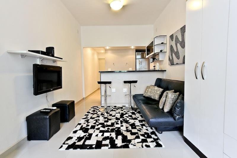 Living Room Area - 1 bedroom Close to Ipanema beach  Rua Julio de Castilhos 35 - Rio de Janeiro - rentals