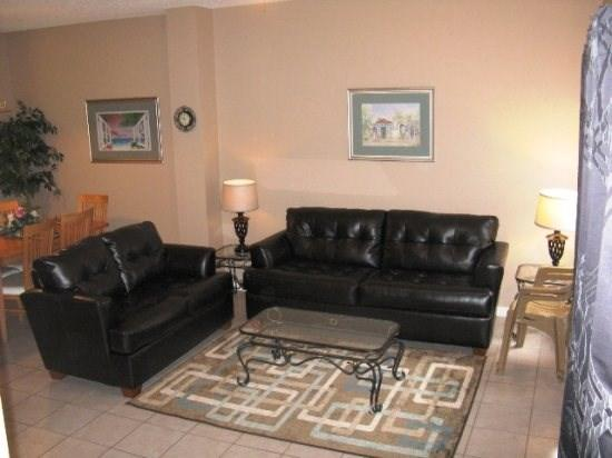 Leather Furniture, Tile Floors, Flat Screen TV, WiFi,  - Newly renovated! Affordable Lake Berkley Vacation Townhome Close to Disney World - Intercession City - rentals