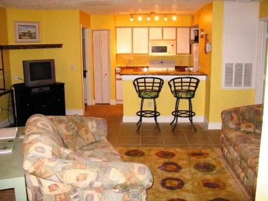 Your main floor condo - Spacious 2 Bedroom Condo- Tropical Delight - Kissimmee - rentals